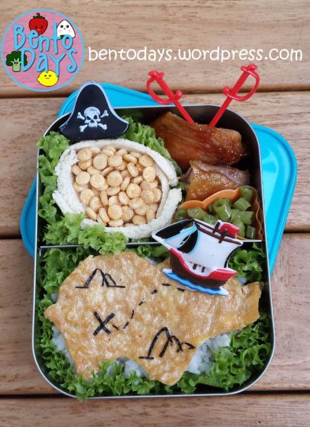 Pirate Bento (treasure map and treasure chest bento)| Bento Days