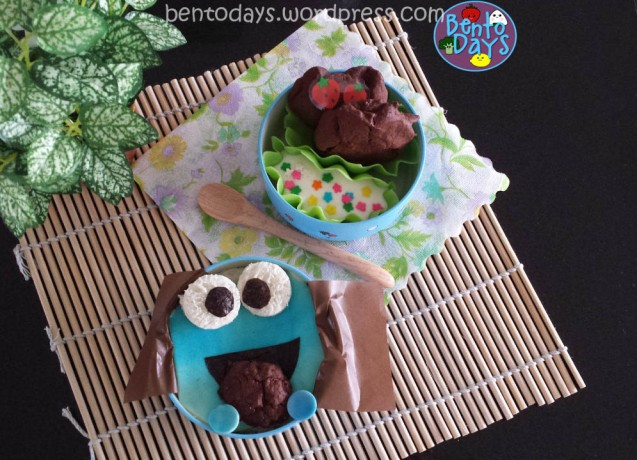 Cookie Monster Bento with Chocolate Marshmallow Cookies | Bento Days