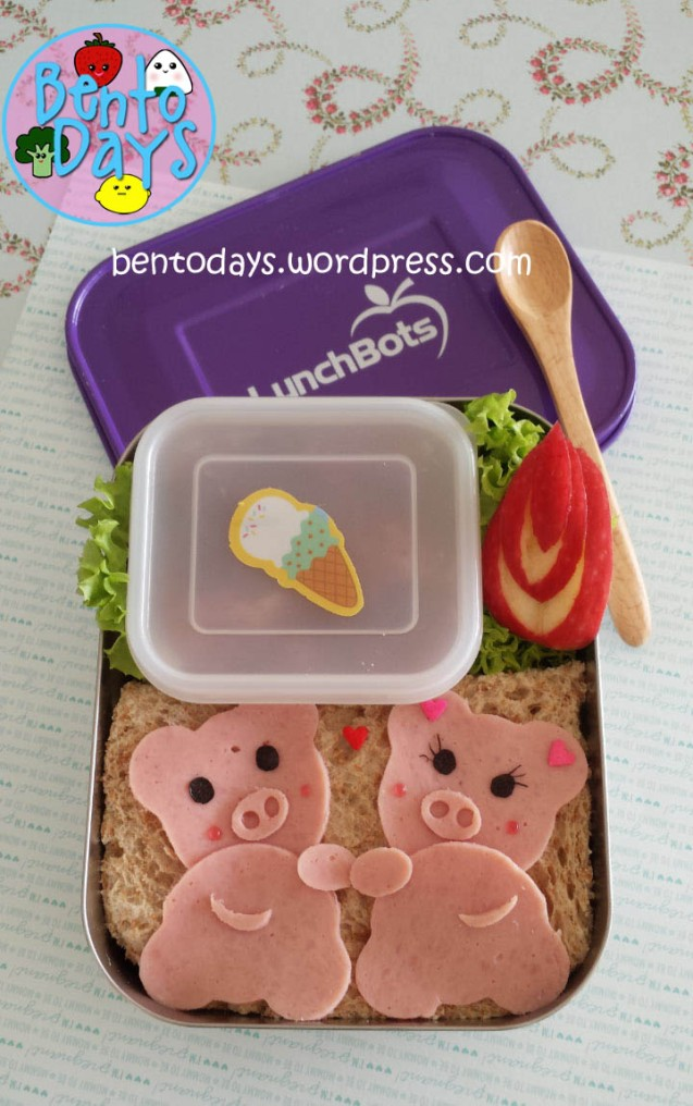 Piggy Bento: Pigs on a Playdate | Bento Days