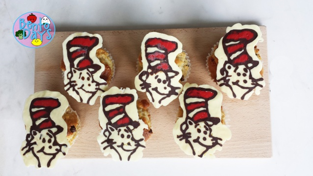 Dr Seuss chocolate cupcake toppers (The Cat in the Hat) | Bento Days