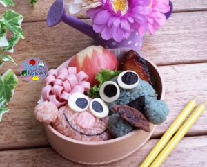 Sesame Street bento: Elmo and Cookie Monster bento | Bento Days