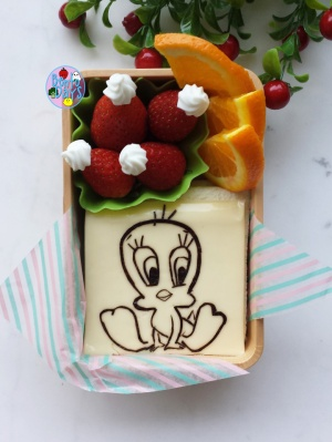 Tweety Bird bento | Bento Days