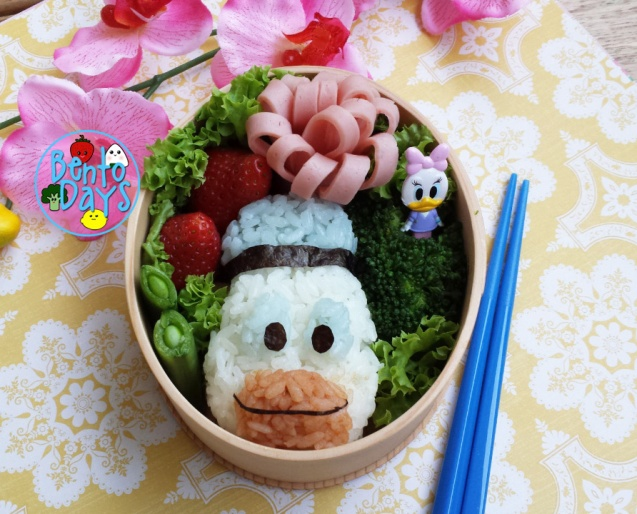 Donald Duck bento | Bento Days