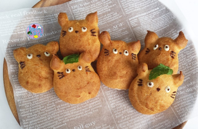 Totoro cream puffs with cinnamon cream | Bento Days