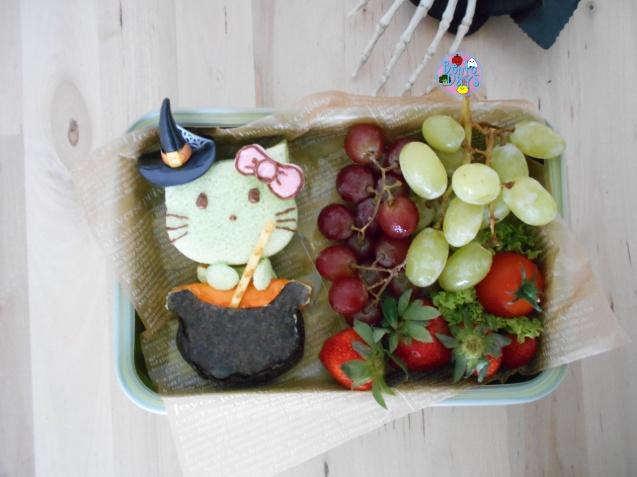 Hello Kitty Witch Halloween Bento