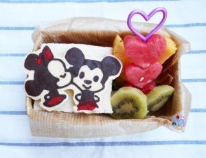 Mickey Minnie Chocolate Painting bento