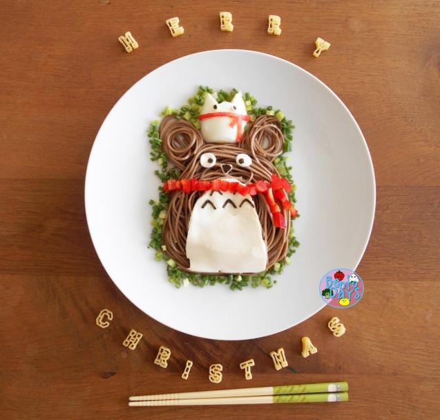 Totoro Christmas soba bento