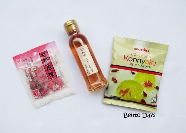 Ingredients to make sakura jelly