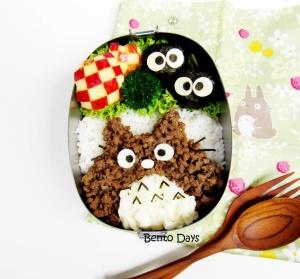 Totoro soboro bento