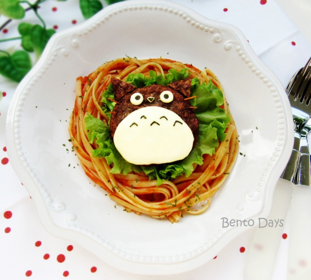 Totoro meat patty and pasta bento