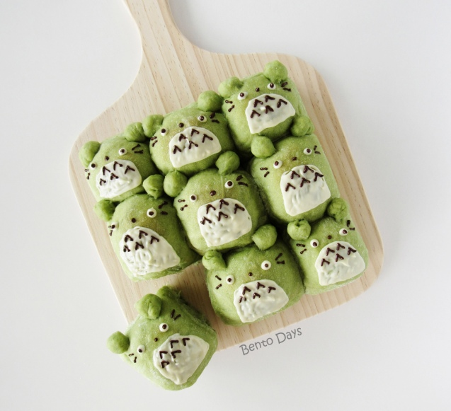 Totoro matcha pull-apart bread buns