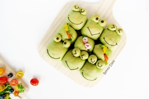 Froggy Sandwich Pull Apart Bread Buns