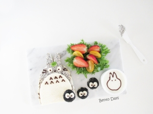 Totoro sandwich bento food art
